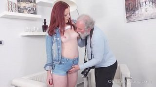 Old Goes Young – Sexy babe obeys old photographer who tells her to undress